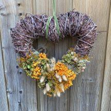 coeur avec fleurs séchées